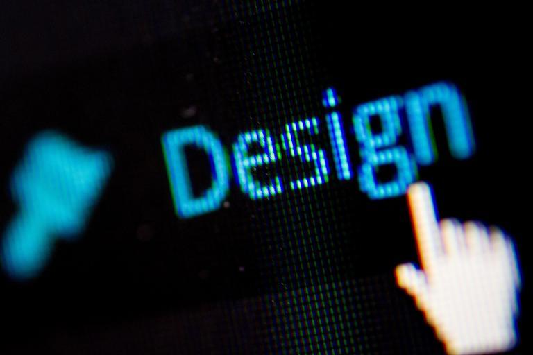 "slovo ""design"" napsané na PC"